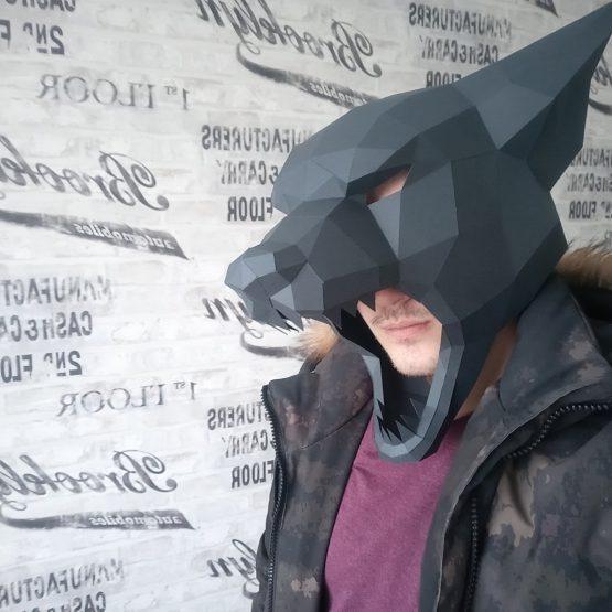 Полигональная маска волка