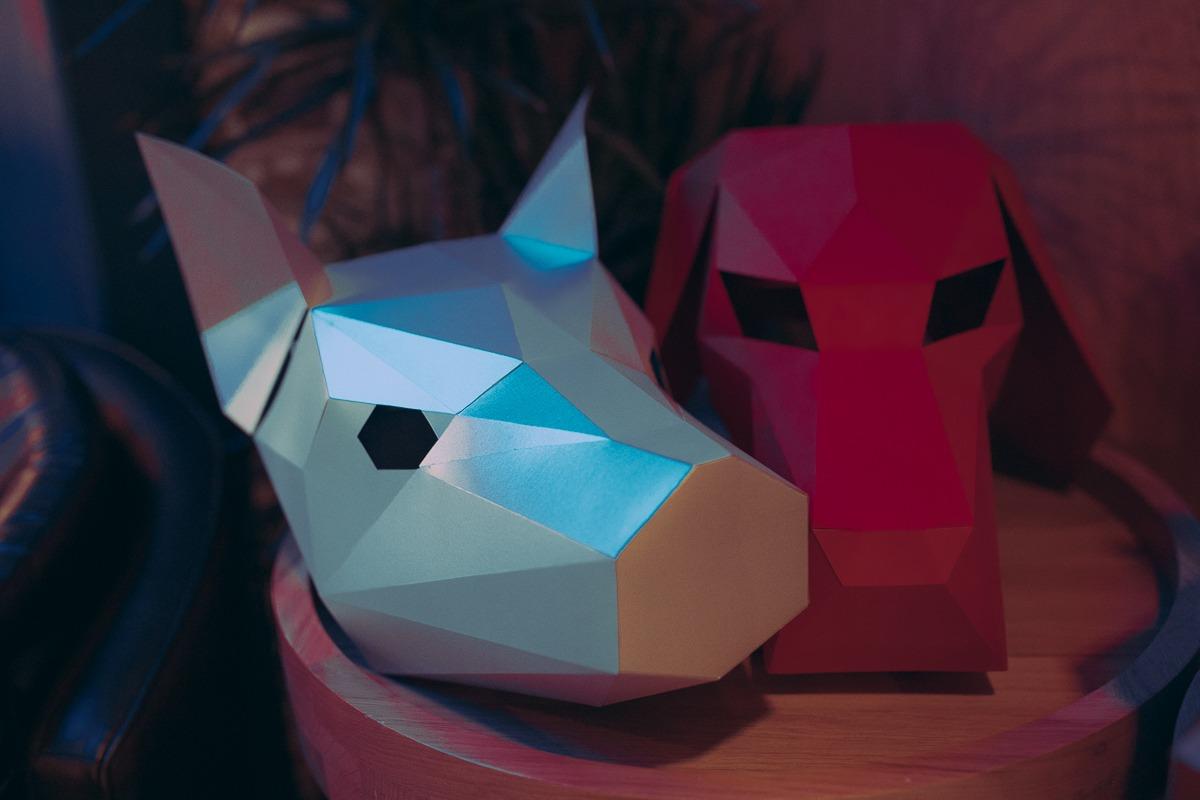 Полигональные маски свиньи и собаки